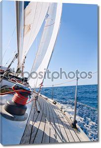 Яхта парусный в море