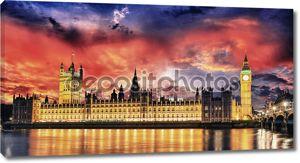 Закат цветов над Биг Бен и палаты парламента - Лондон