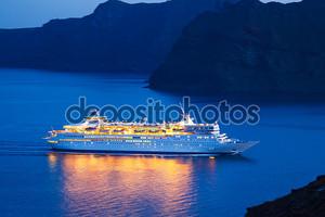 роскошный круизный корабль