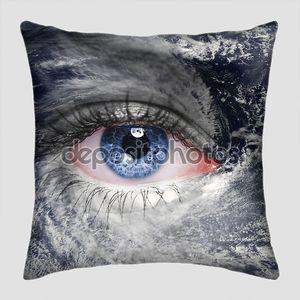 Глаз в центре урагана