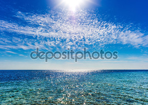 Вид на небо и океан