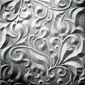 Серебряная металлическая орнаментом