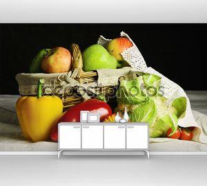 Натюрморт с овощами на столе