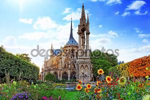 Нотр-Дам де Пари собор, Сад с flowers.paris. Франция