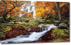 Водопад осенней порой
