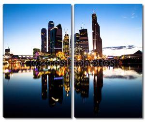 Новые небоскребы Москва бизнес-центр (Г.Москва) на вечер с воды размышления