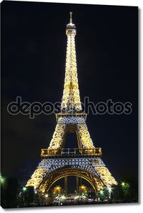 Эйфелева башня с красивых световой узор