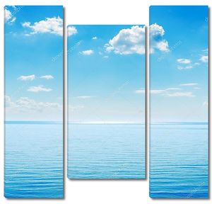 Море и голубое небо
