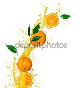 Всплеск апельсиновый сок, изолированные на белом фоне