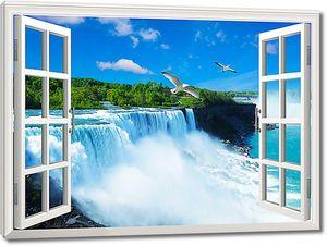 Водопад в распахнутом окне