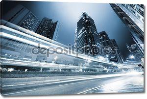 Движение  по шоссе в Гонконге ночью