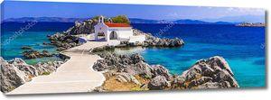Аутентичная греческая церковь на море