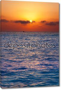 Средиземное море восход / закат с солнцем