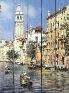 Прекрасный канал в Венеции в солнечный день