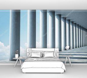 Современный бетонный зал с колоннами