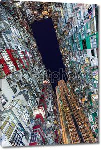 Гонконг переполненном здания в ночное время
