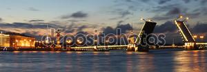 Дворцовый мост, Санкт-Петербург