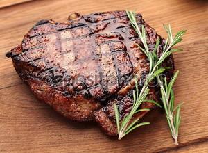 Сочный говяжий стейк