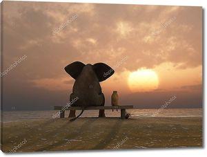 Слон и собаку сидеть на летний пляж