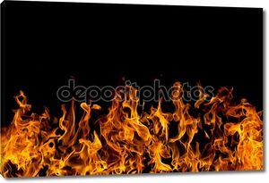 огонь огня на черном фоне