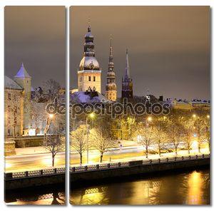 Ночная зимняя сцена в Риге, Латвия