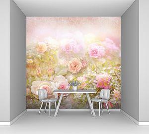 Розовые розы на фоне с размытым горизонтом