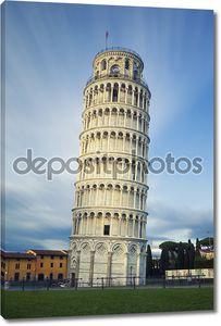 знаменитый Пизанская башня