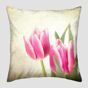Расплывчатое фото тюльпанов