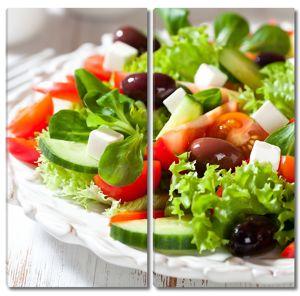 Греческий салат с оливками и сыром