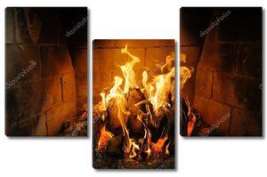 Пожар в камине и танец пламени