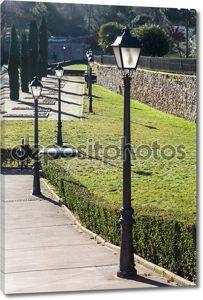 Уличное освещение в парке