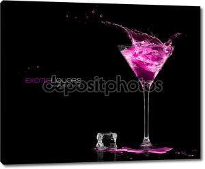 бокал для коктейля с земляничным плесканием напитка духа. шаблон