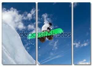 Сноубордист в небе