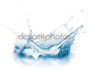 Водный всплеск на белом фоне