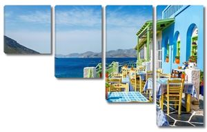 традиционный греческий ресторан на балконе