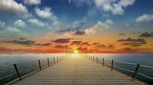 золотой закат в море