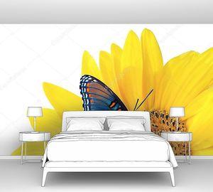 Подсолнечник с Голубой бабочкой