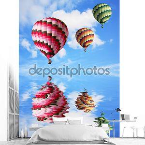 три больших разноцветных воздушных шара