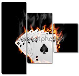 Покер карты сжигают в огне.