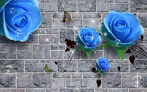 Каменная стена с синими розами