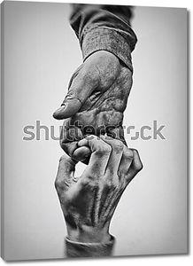 Две руки в черно белом цвете