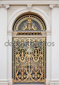 Двери дворца Лоо в Апелдорн, Нидерланды