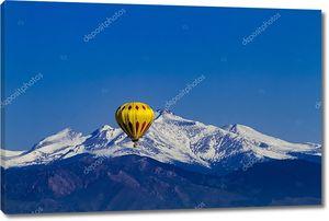Скалистый горный горизонт