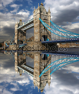 Знаменитый Тауэрский мост