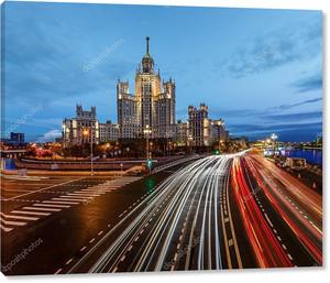Сталин высотка на Котельнической набережной в Москве ri