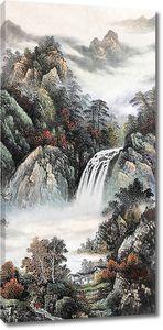 Водопад с лесных склонов