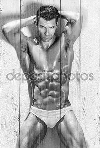 Сексуальный спортивный человек