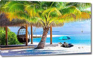 Уютный гамак под пальмой