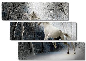 Конь в зимнем лесу