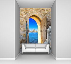 Открытая арка в крепости